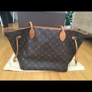 Louis Vuitton neverfull bag (broken strap)